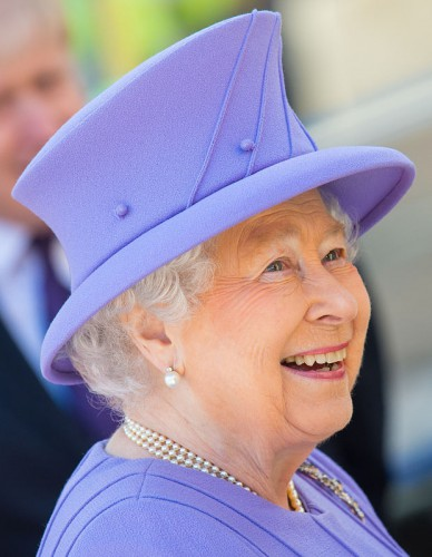 Queen Elizabeth II departs following a visit to the construction site of the Bond Street Crossrail Station in London. PRESS ASSOCIATION Photo. Picture date: Tuesday February 23, 2016. Crossrail will run from Reading and Heathrow in the west, through new tunnels under Central London, to Shenfield and Abbey Wood in the east, and opening in 2018, will carry an estimated 200 million passengers a year. See PA story ROYAL Crossrail. Photo credit should read: Dominic Lipinski/PA Wire